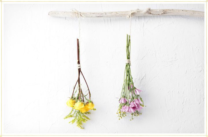 dry flowers step 4 - suspend bouquet of flowers from branch or hold.